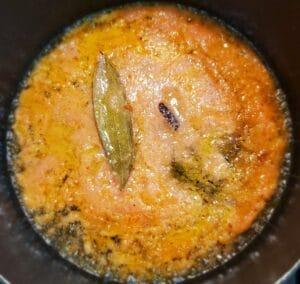 Onion and tomato paste