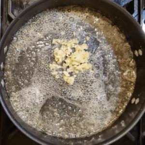 Shrimp alfredo zoodles garlic butter